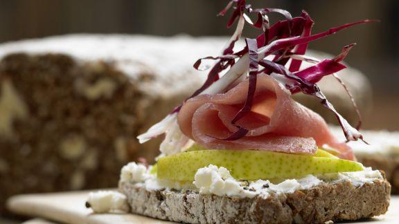 Rezept: Lachsschinken-Frischkäse-Brote