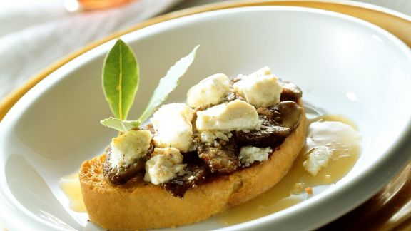 Rezept: Lamm mit Feta auf Brot