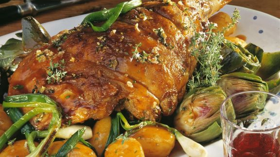 Rezept: Lammbraten mit Artischocken und Kartoffeln