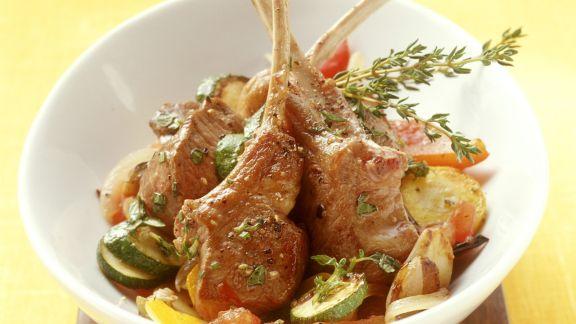 Rezept: Lammchops auf Ratatouille-Gemüse