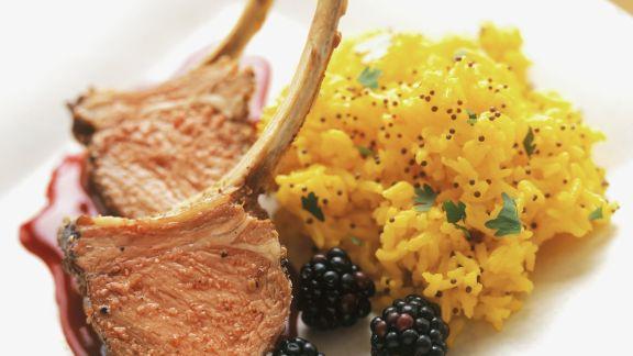 Rezept: Lammchops mit Brombeersoße dazu Safranreis