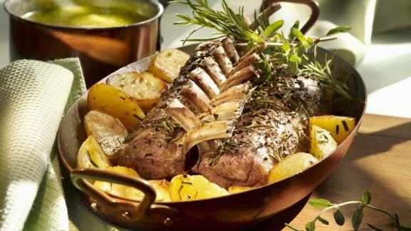Rezept: Lammchops mit Kräuterbutter und Kartoffeln