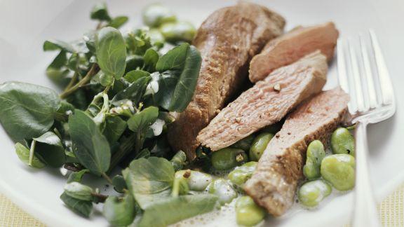 Rezept: Lammfilet mit Knoblauch-Buttermilch-Sauce, Bohnen und Kresse