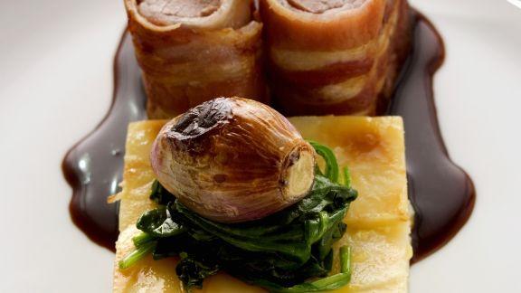 Rezept: Lammfilet mit Schinkenkruste dazu Kartoffelauflauf