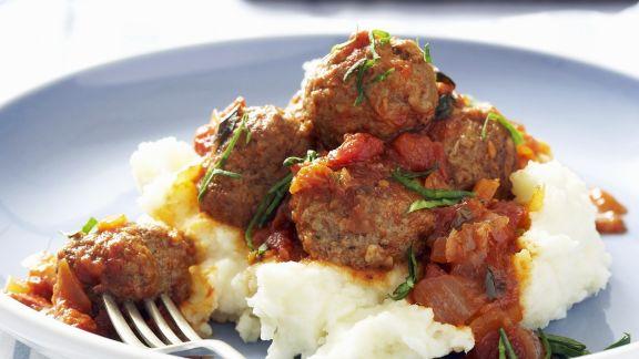 Rezept: Lammhackklößchen mit Tomatensoße