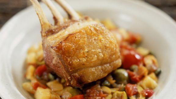 Rezept: Lammkarree auf Gemüse süß-sauer