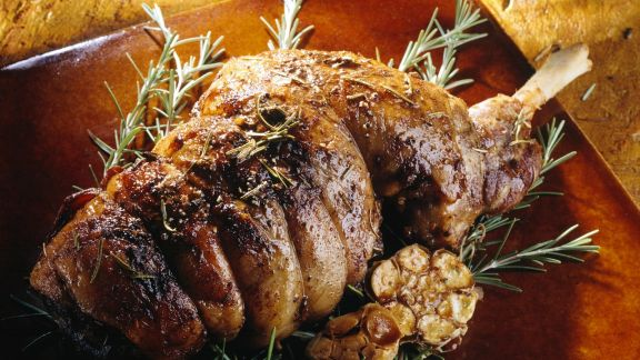 Rezept: Lammkeulenbraten mit Rosmarin