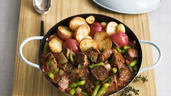 Rezept: Lammragout mit Bratkartoffeln