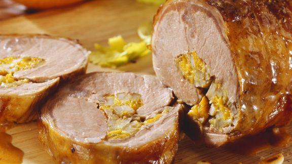 Rezept: Lammrollbraten mit Orangen und Sellerie gefüllt