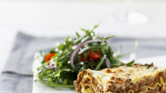 Rezept: Lasagne und Tomatensalat mit Rucola