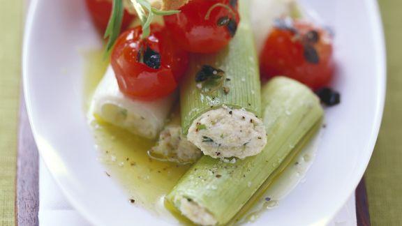 Rezept: Lauch mit Ricottafüllung und Tomaten
