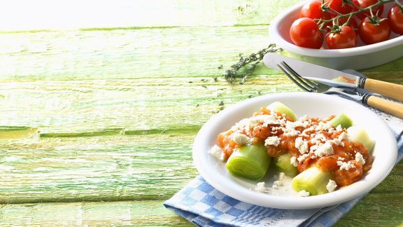 Rezept: Lauch mit Tomatensauce
