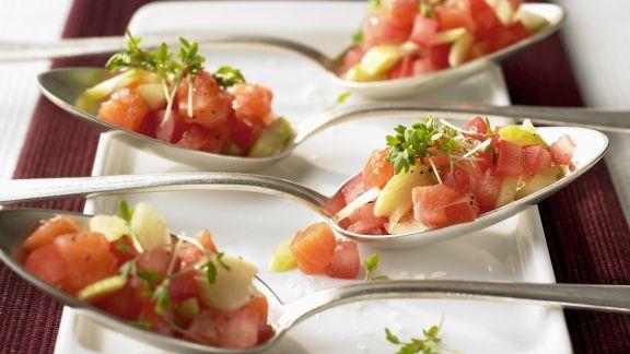 Rezept: Löffelhäppchen mit Lachs und Gemüse