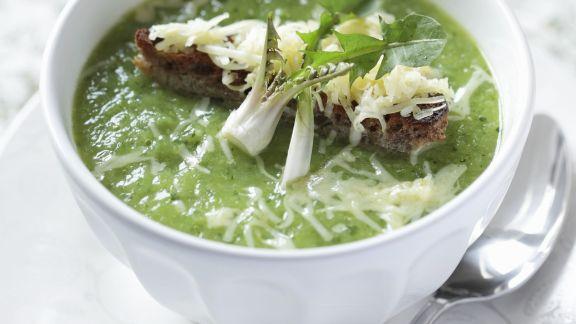Rezept: Löwenzahn-Käse-Suppe