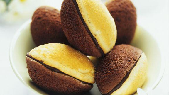 Rezept: Madeleines mit Schokoladen-Füllung