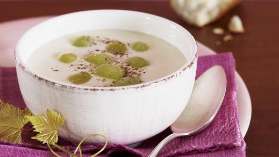 Rezept: Mandel-Weintrauben-Suppe