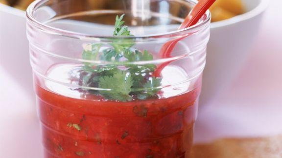 Rezept: Mangochutney mit Erdbeeren und Koriander