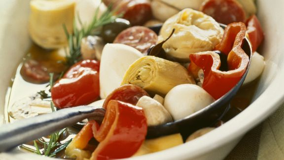 Rezept: Mariniertes Gemüse mit Wurst