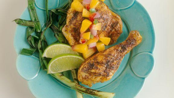 Rezept: Mariniertes Hähnchen mit fruchtiger Salsa