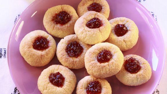 Rezept: Marmeladen-Kokos-Plätzchen