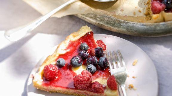 Rezept: Mascarponekuchen mit Sommerbeeren