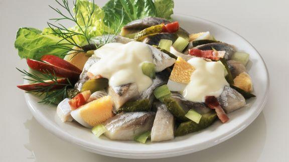 Rezept: Matjes-Eier-Salat mit Gurke