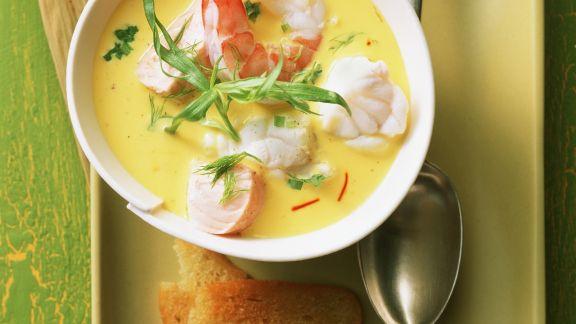 Rezept: Meeresfrüchtesuppe mit Fenchel und Safran