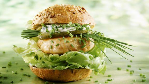 Rezept: Mehrkornsemmel mit Pute und knackigem Salat
