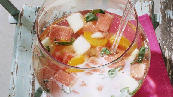 Rezept: Melonen-Aprikosen-Bowle