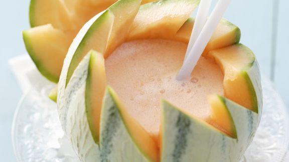 Rezept: Melonen-Daiquiri in der Melone