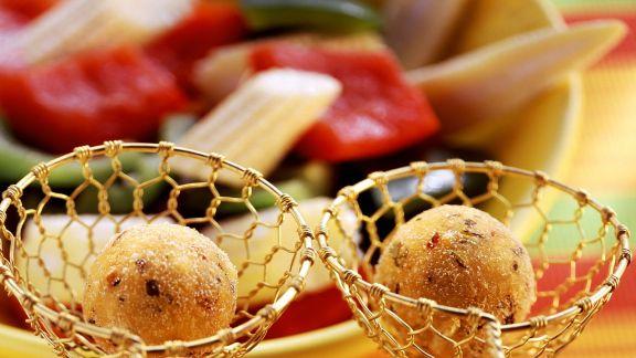 Rezept: Mexiko-Fondue mit Polentabällchen und Gemüse