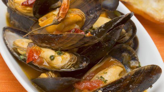 Rezept: Miesmuscheln im mediterranen Sud