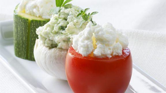 Rezept: Mit Frischkäse gefülltes Gemüse
