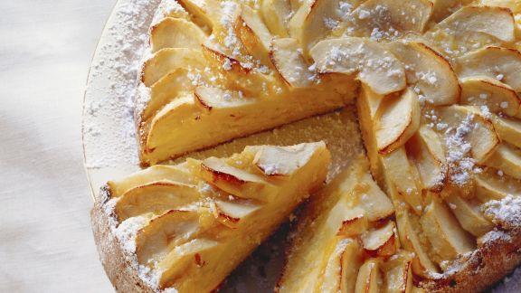 Rezept: Möhren-Mandel-Kuchen mit Äpfeln