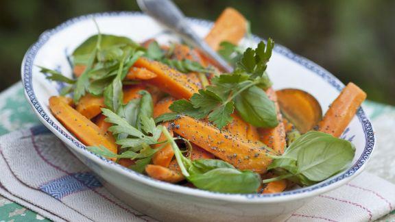 Rezept: Möhren-Mohn-Salat