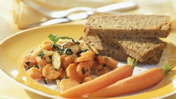 Rezept: Möhrengemüse mit Zucchini