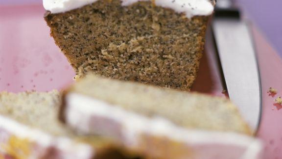Rezept: Mohn Schokoladenkuchen mit Zitronensahnehaube