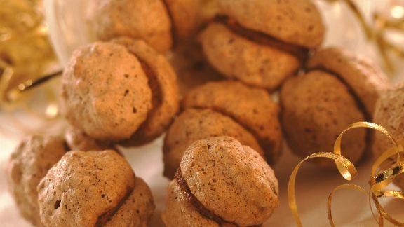Rezept: Mokkanüsse mit Füllung