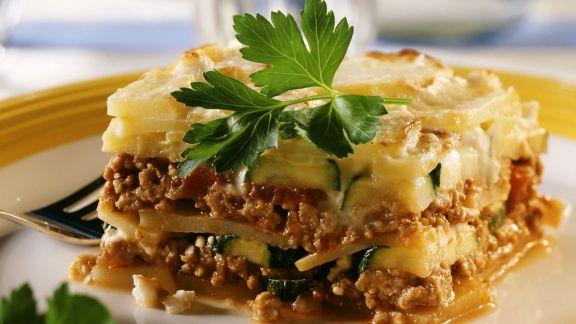 Rezept: Moussaka mit Kartoffel und Zucchini