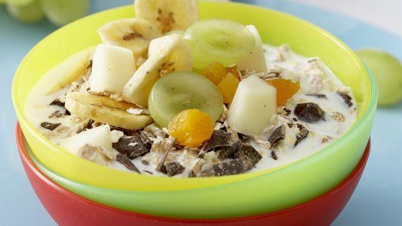 Rezept: Müsli mit frischen Früchten und Milch