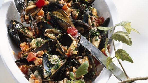 Rezept: Muscheln im Tomatensud