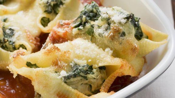 Rezept: Muschelnudeln mit Spinat gefüllt