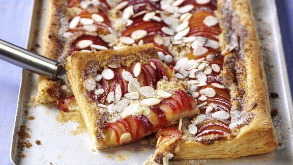 Rezept: Nektarinen-Mandel-Kuchen
