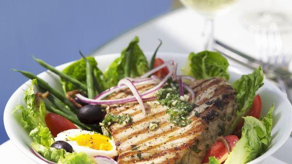 Rezept: Nizza Salat mit Thunfischsteak