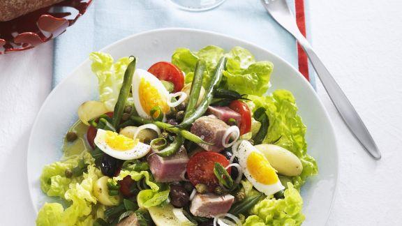 Rezept: Nizzasalat mit Thunfisch, Oliven und Eiern
