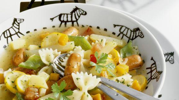 Rezept: Nudel-Gemüse-Topf mit kleinen Würstchen