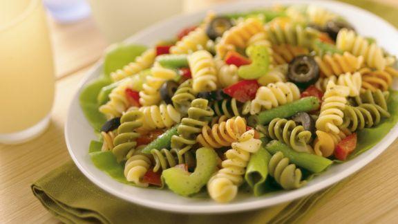 Rezept: Nudel-Gemüsesalat