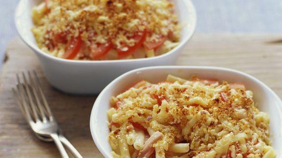 Rezept: Nudelauflauf mit Schinken und Tomaten