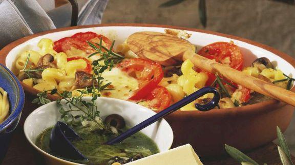 Rezept: Nudelauflauf mit Tomaten und Pilzen