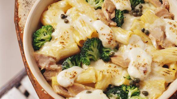 Rezept: Nudelgratin mit Brokkoli und Mozzarella